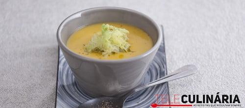 Sopa de couve-lombarda
