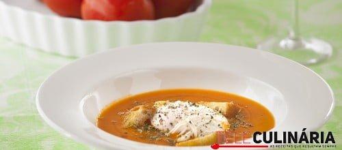 Sopa de Tomate com Pao Frito e Ovo Escalfado TC 001 D