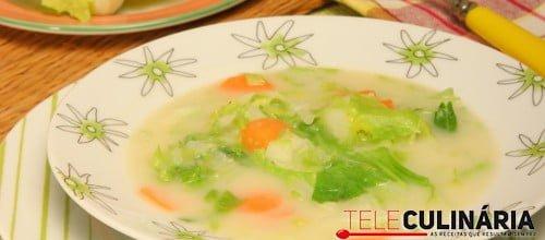 Sopa de couve com feijao branco 3 D