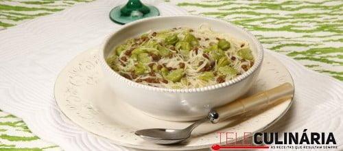 Sopa de favas e lentilhas com aletria e especiarias 2 D