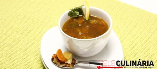 Sopa de lentilhas e batata-doce
