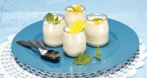 Tacinhas de iogurte com manga