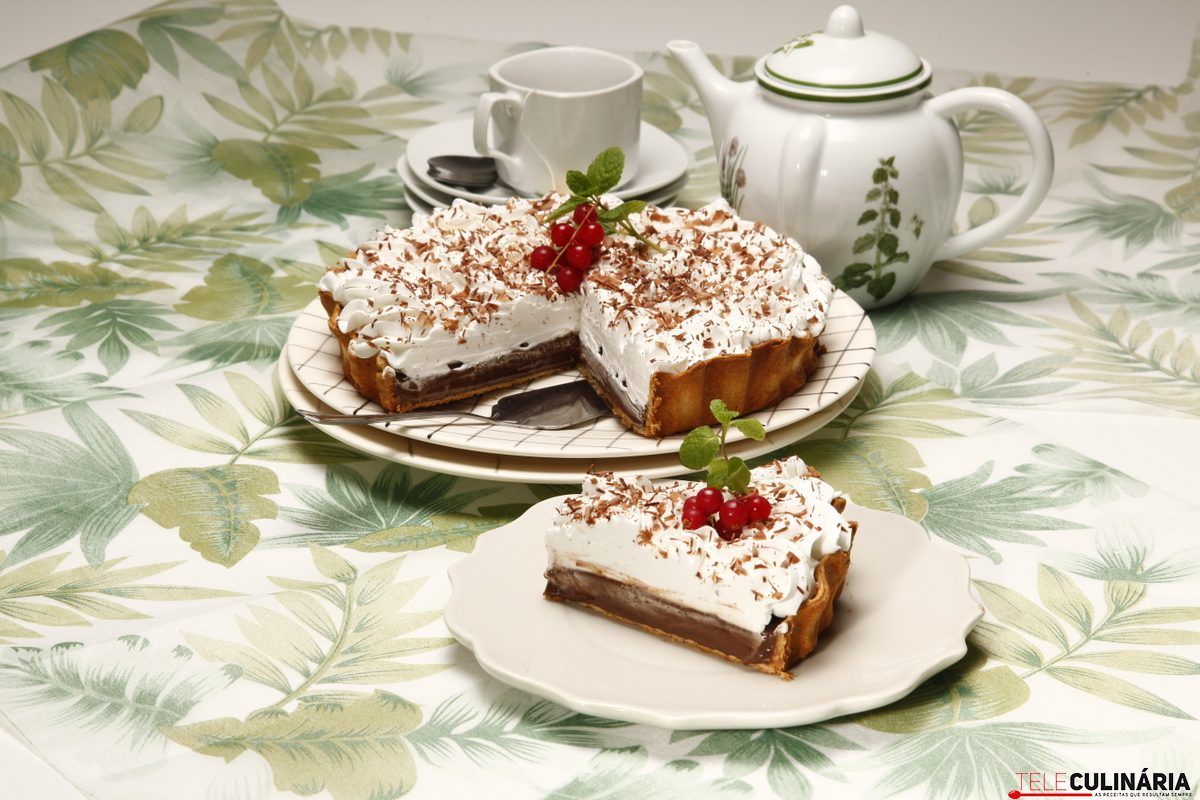 Tarte de chocolate com natas 1