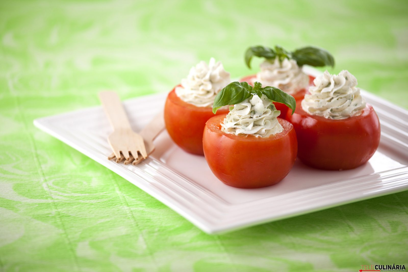 Tomates Recheados com Queijo Filadelfia e Ervas TC 006