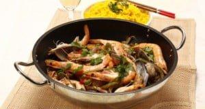 """Wok """"paella"""" de peixe e marisco"""