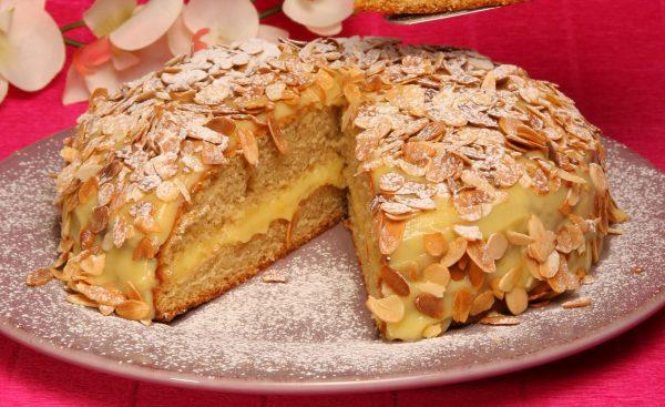 bolo de canela com creme de pasteleiro