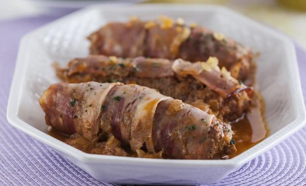 rolinhos de carne e bacon