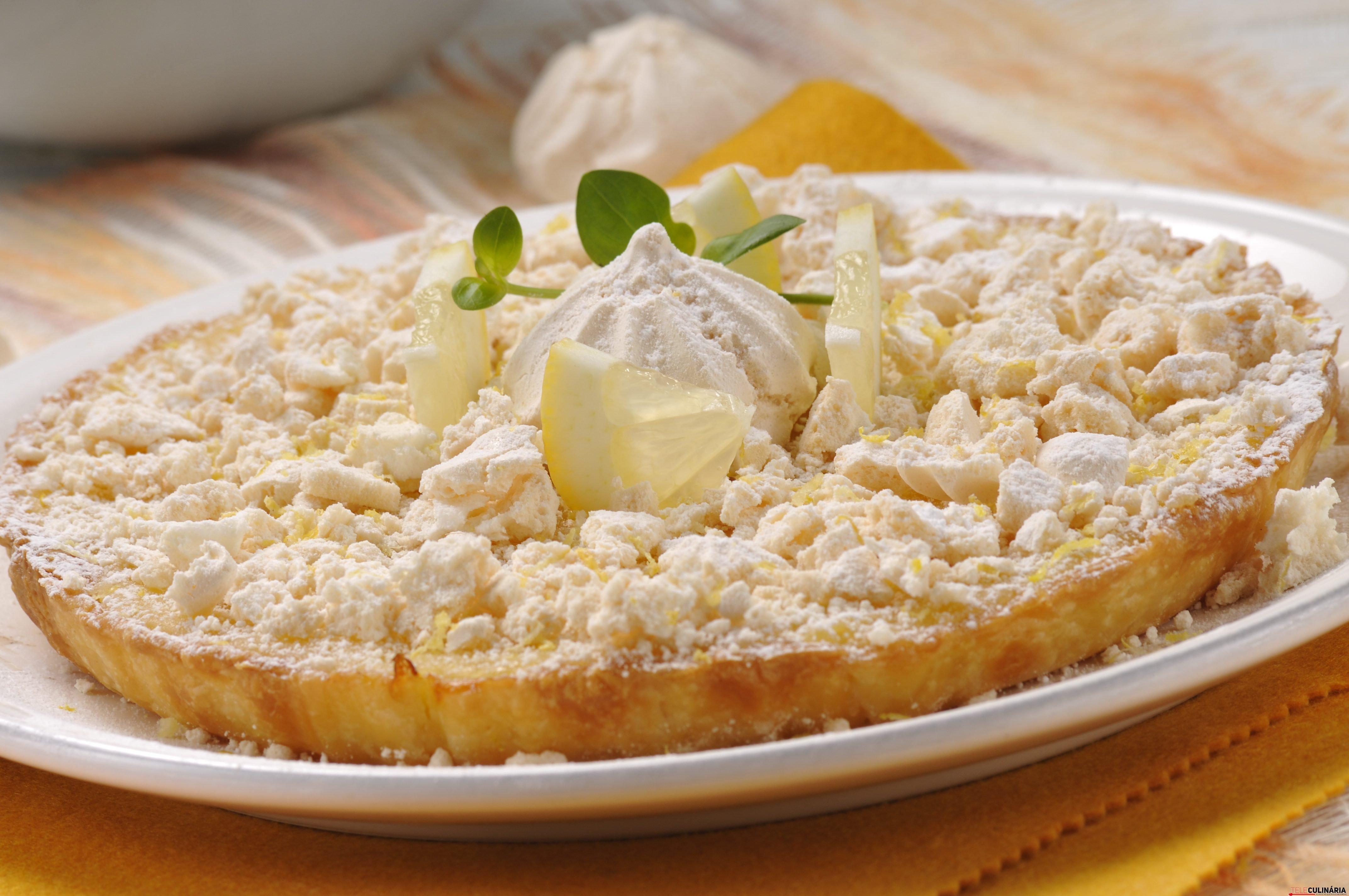 tarte de limão com suspiros