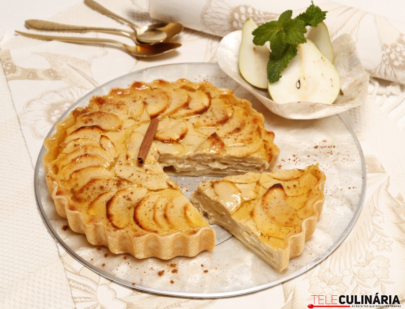 tarte de maças com recheio de peras