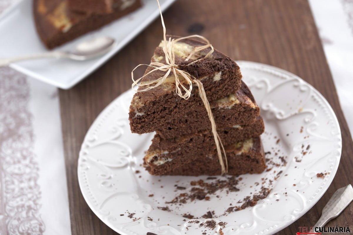 bolo de chocolate e requeijao