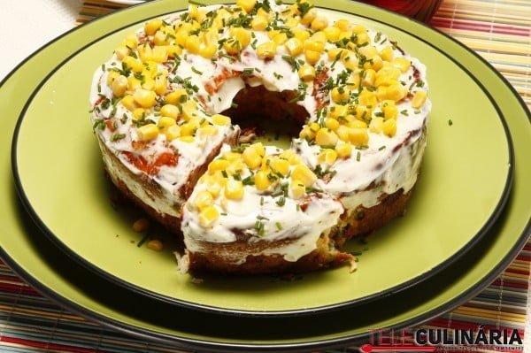 bolo de pescada com ervilhas e maionese2