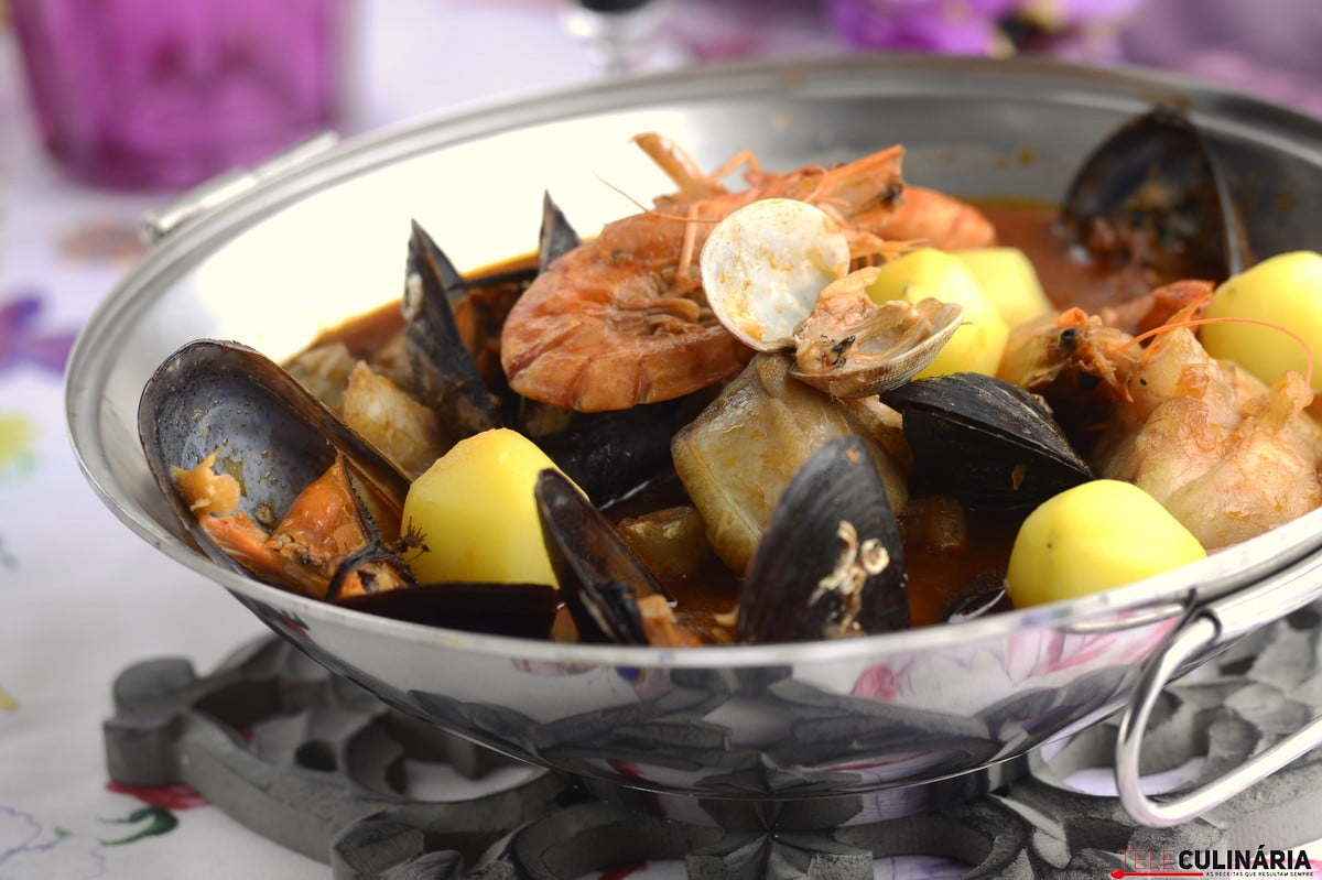 cataplana de tamboril e marisco