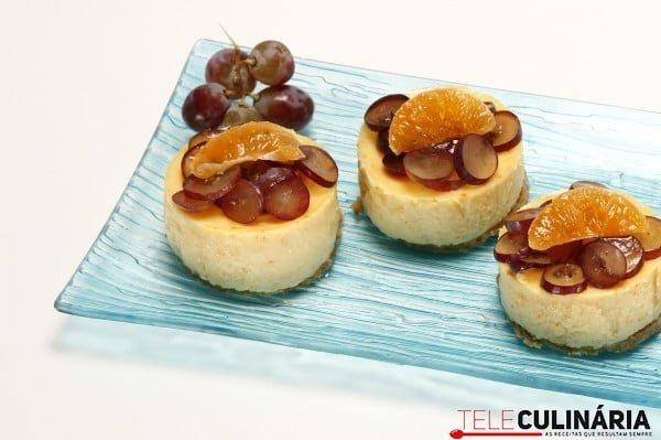 cheesecakes de tangerina e uva