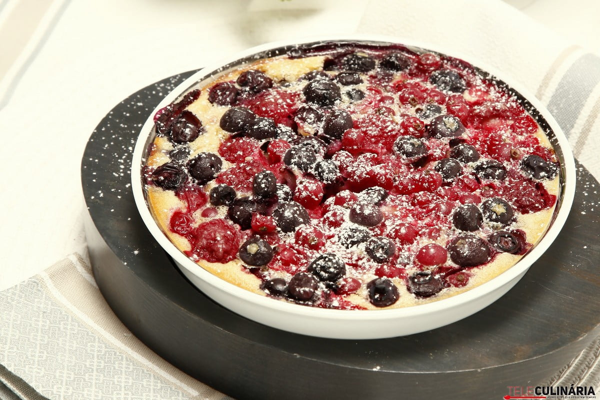 clafoutis de frutos do bosque