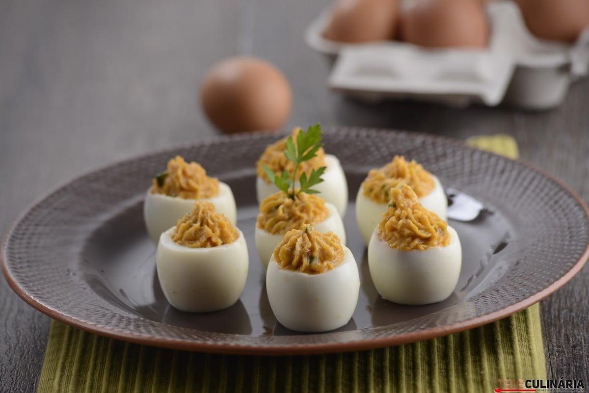 ovos recheados com alheira e salsa2