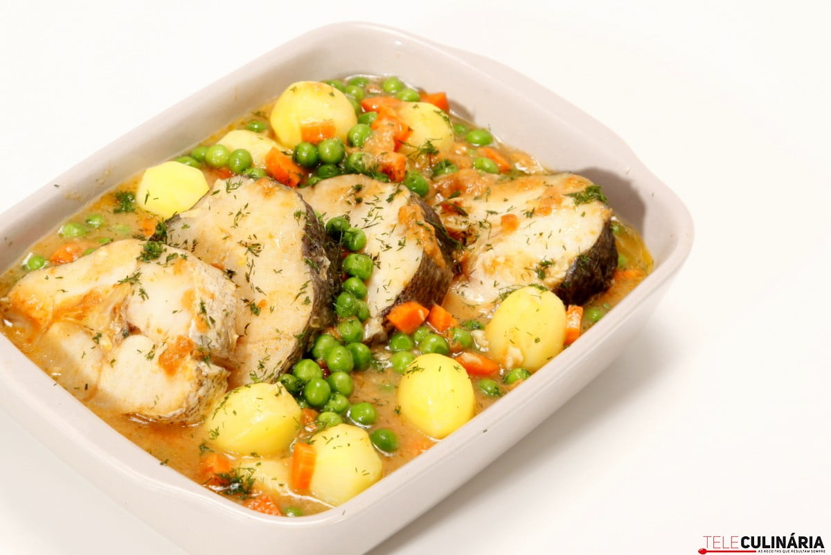 pescada no forno mariscada
