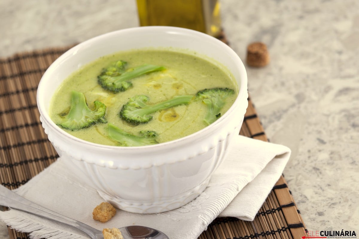 sopa de brocolos