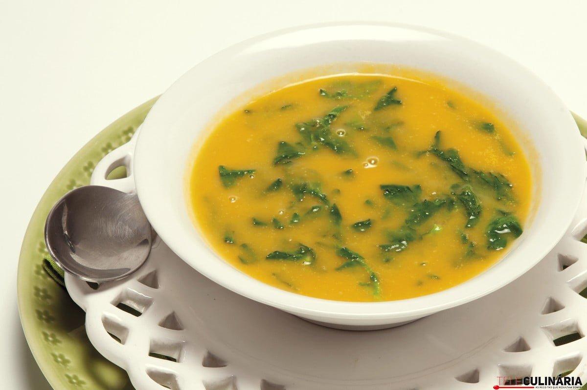sopa de legumes assados com agrioes