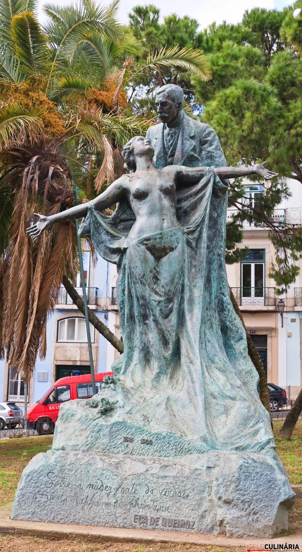 Statue Ese Maria de Eca de Queiroz in Lisbon, Portugal