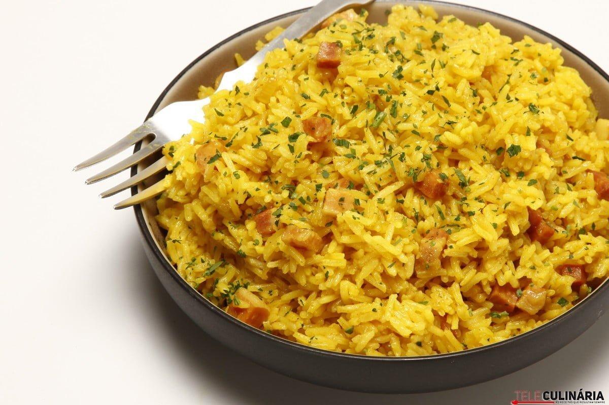 arroz de acafrao e bacon