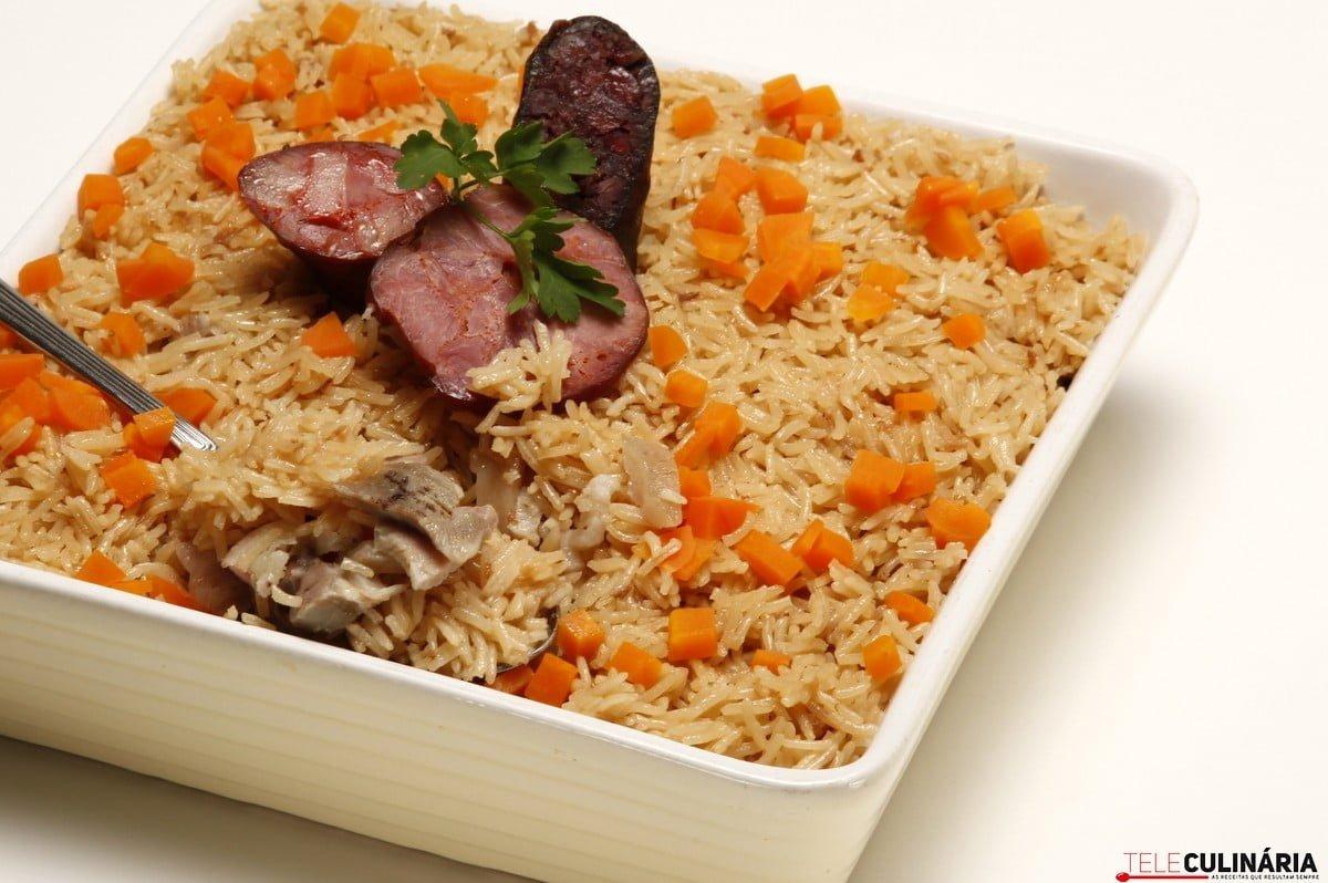 arroz no forno com sobras de cozido