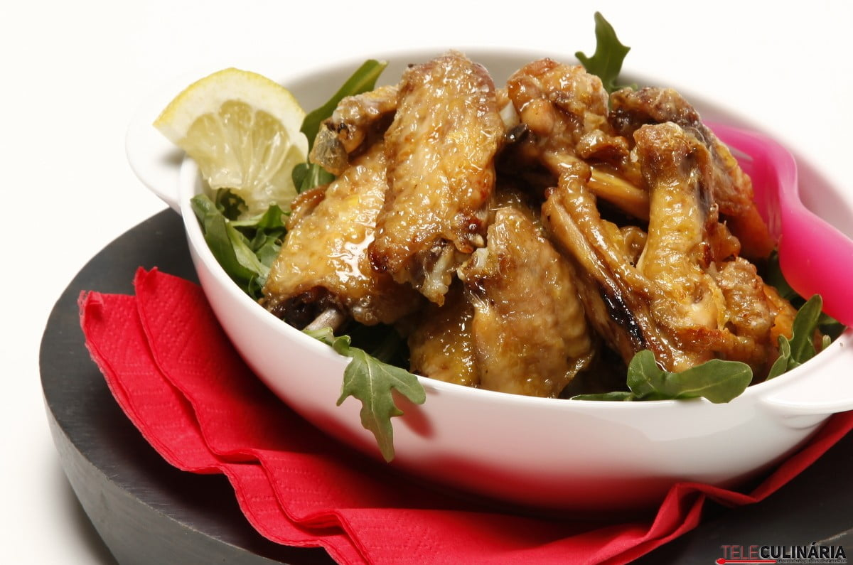 asinhas de frango com mostarda no forno