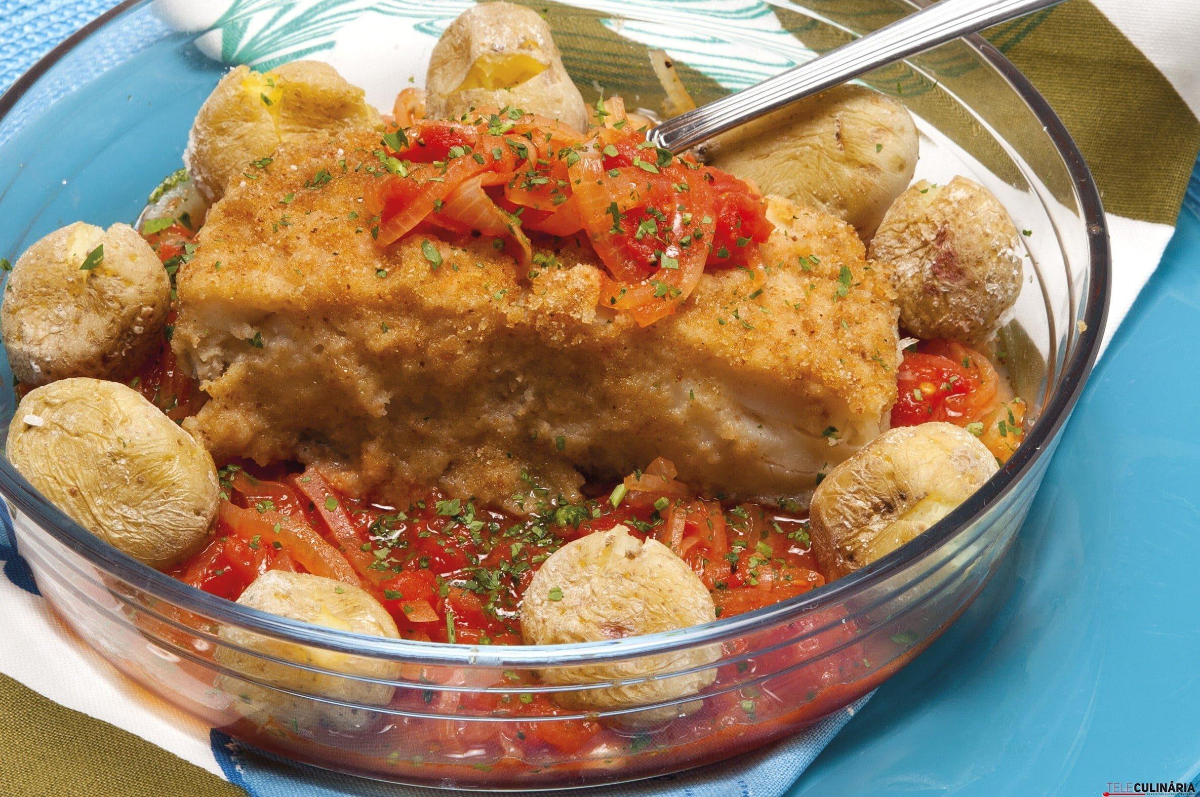 bacalhau dourado com batata a murro