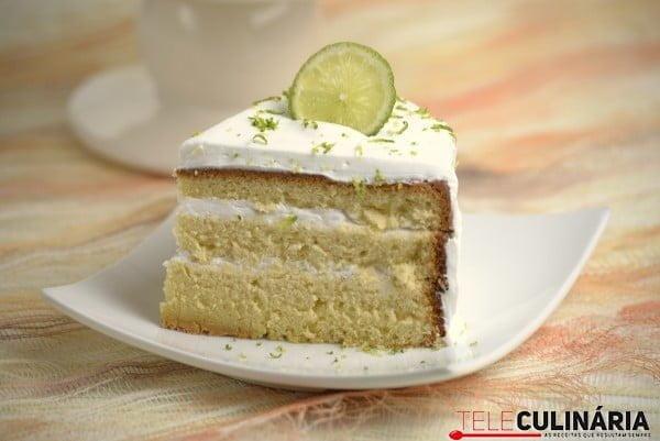 bolo de baunilha com creme de lima