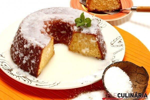 bolo de coco com calda