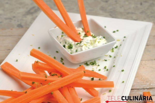 cenouras crocantes com molho especial