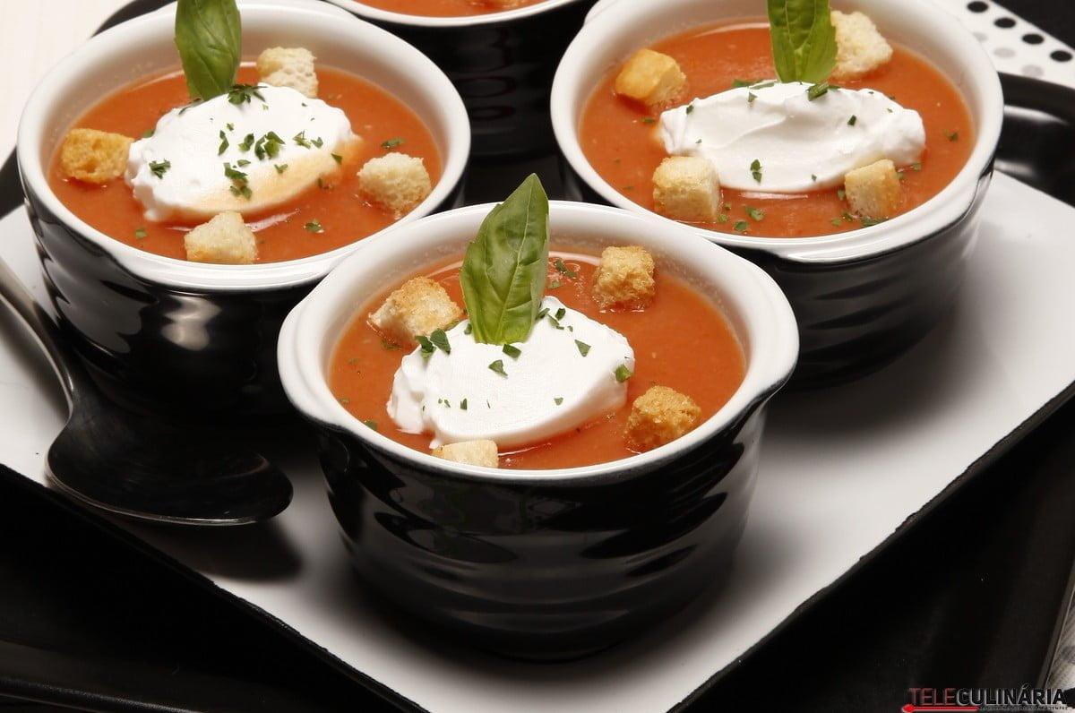 creme de tomate com manjericao