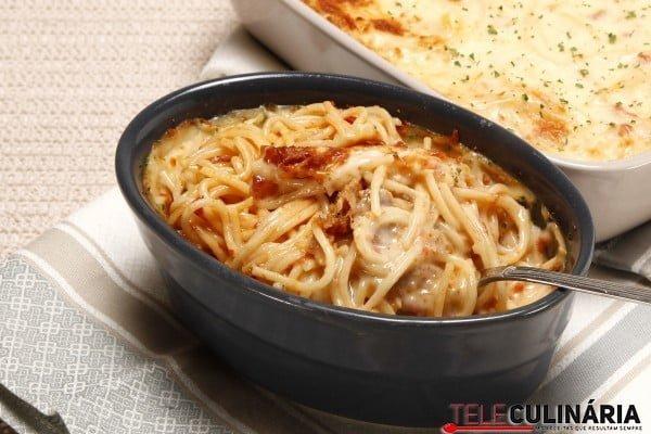 esparguete gratinado com alheira