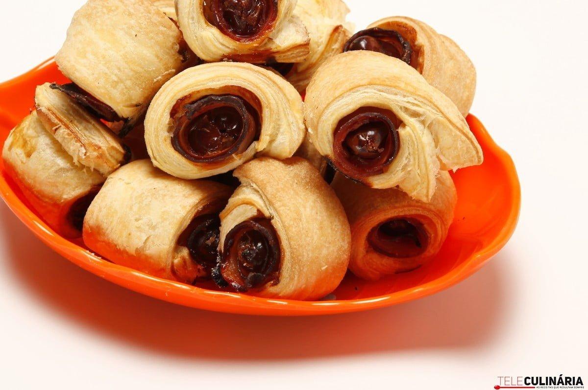 folhadinhos de bacon e tamaras
