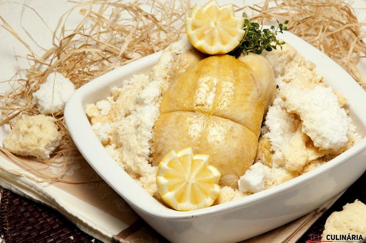 frango em crosta de sal
