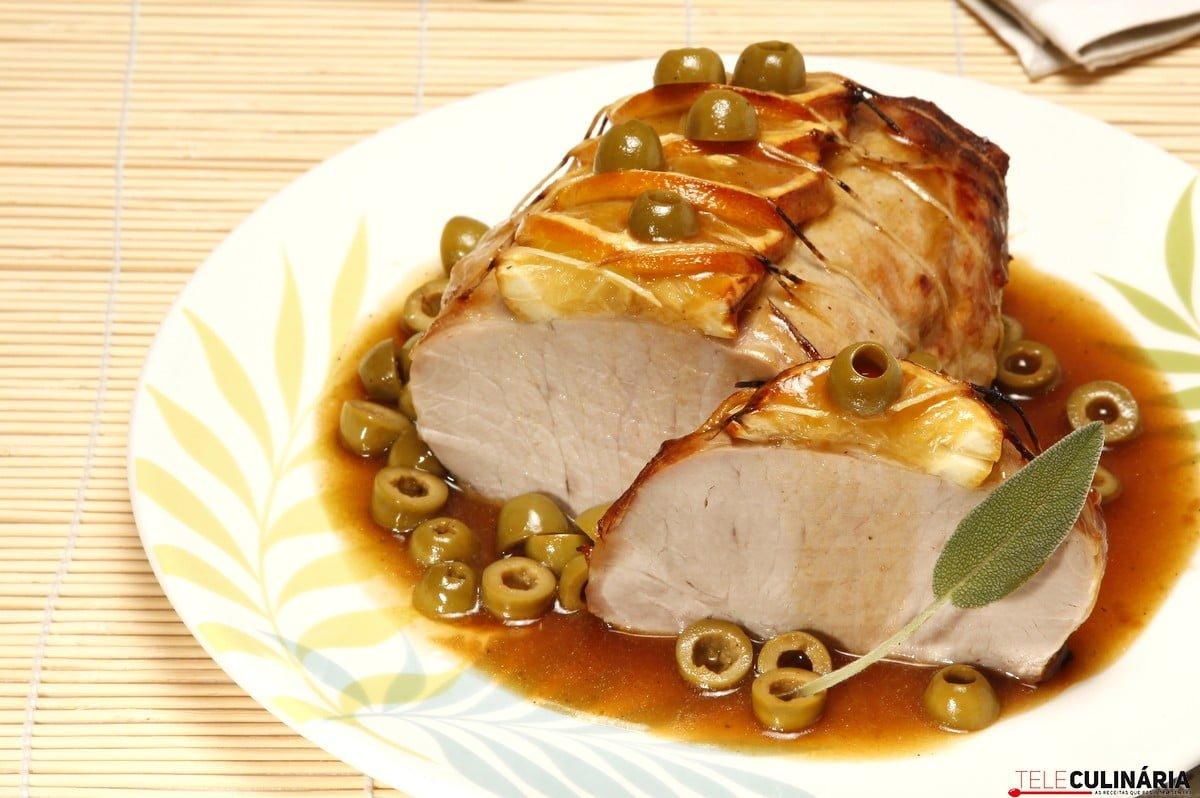 Lombo de porco com azeitonas verdes
