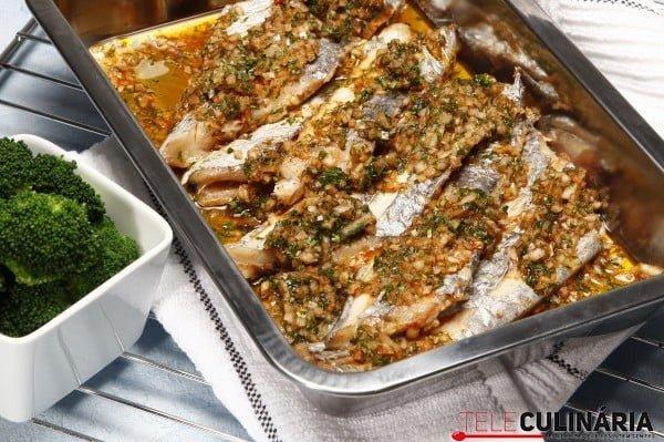 peixe espada assado no forno