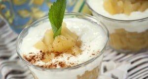 puré de maçã com iogurte e canela