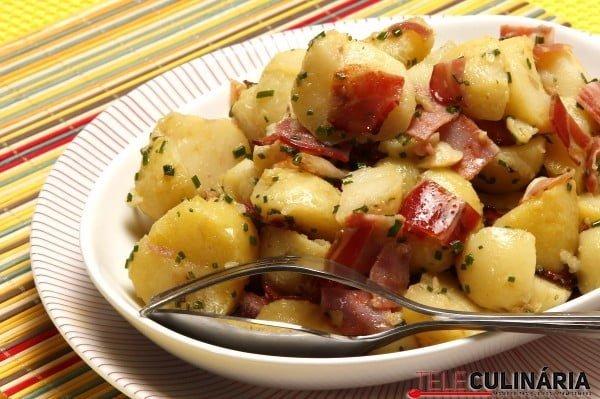 salada de batata e enchidos