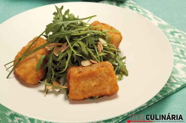 salada romantica de peixe e rucula