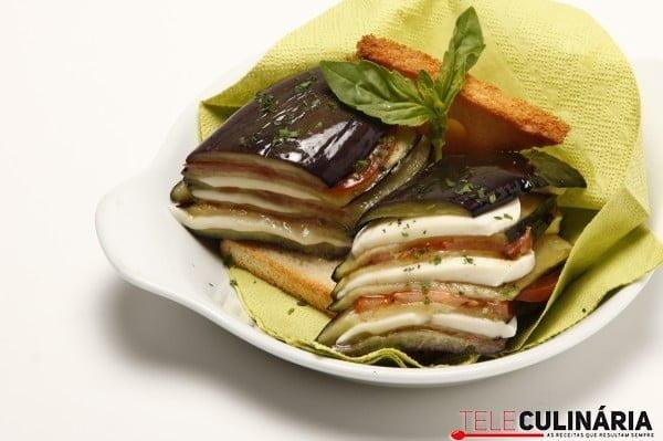 sanduiches de beringela com mozzarella