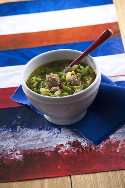 Sopa de legumes com almondegas CHLM-6
