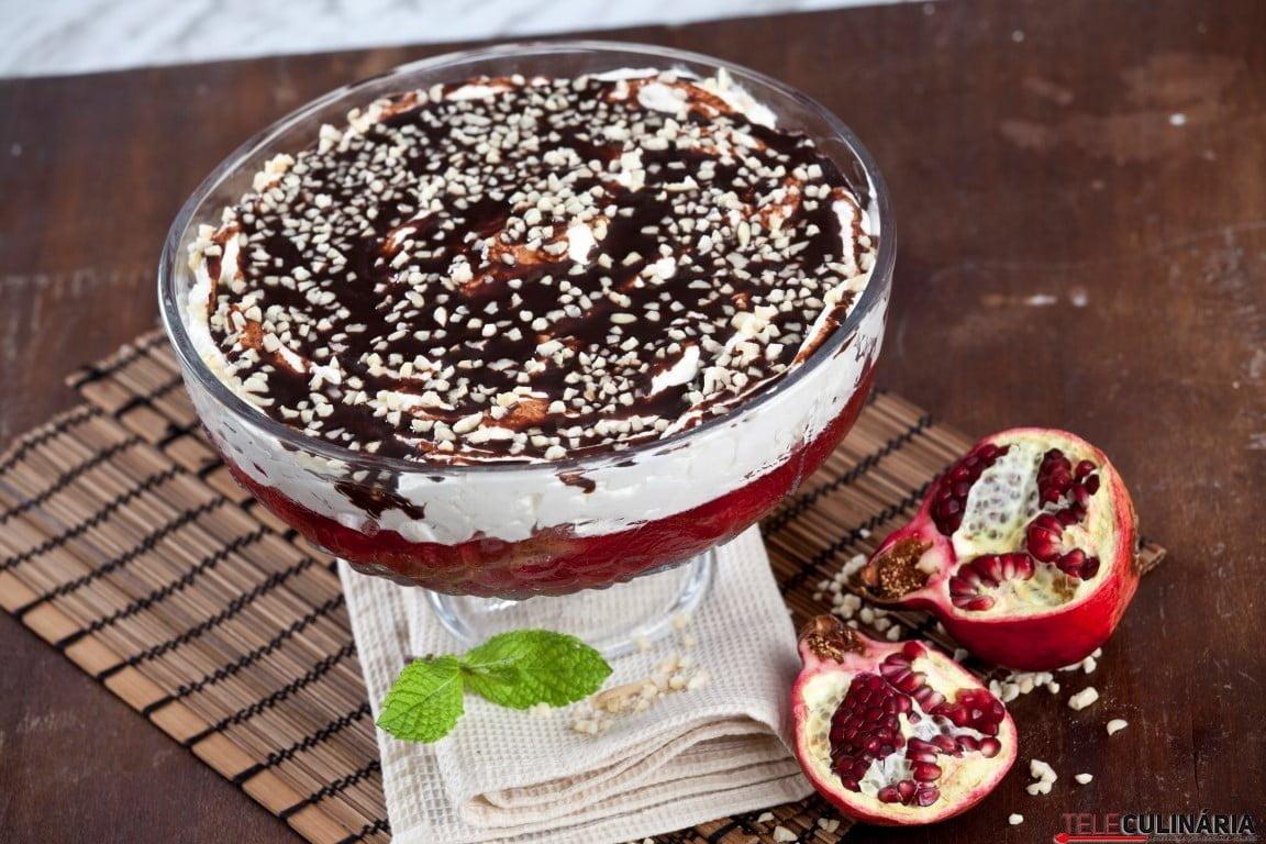 Delícia de bolo com gelatina e chocolate CHLM 11 Medium