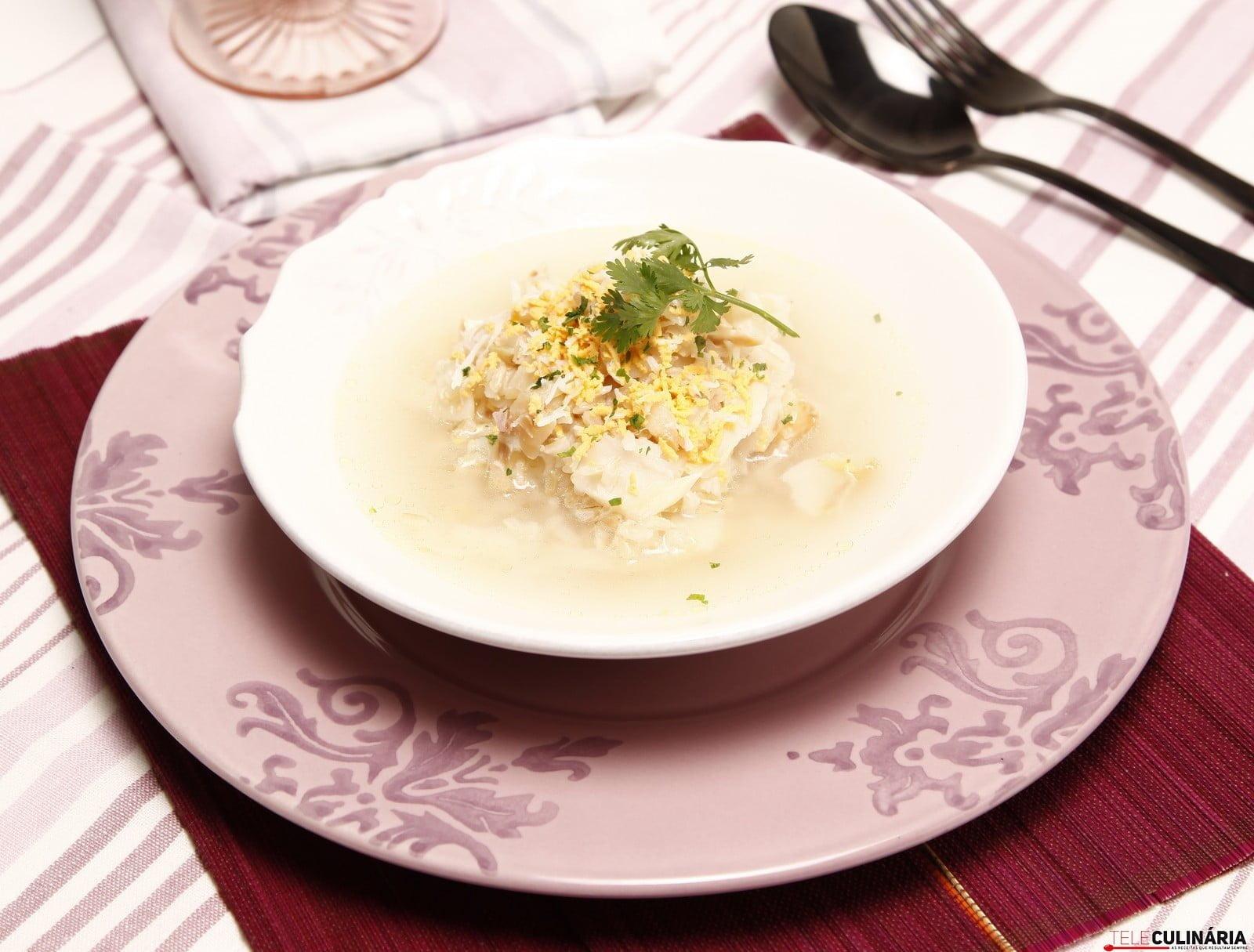 Canja de bacalhau com ovo picado 2