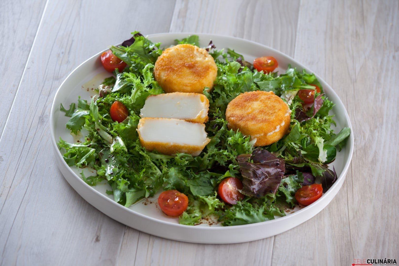 Queijo de cabra dourada com salada CHLM 4 Large