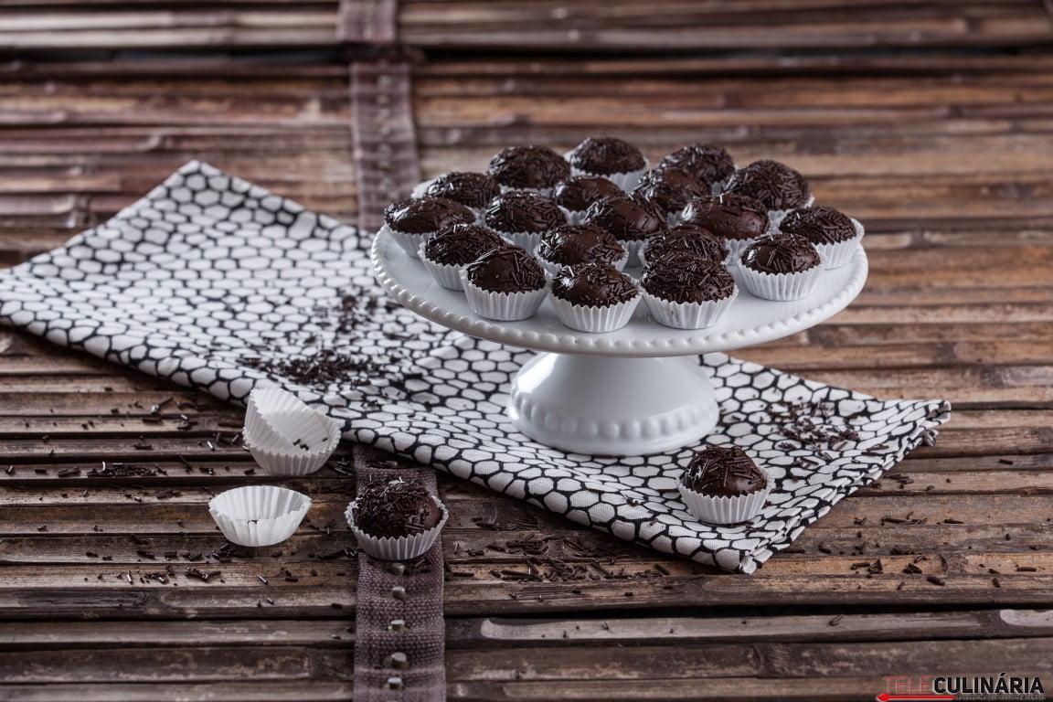 Brigadeiros de chocolate CHLM 2 Medium