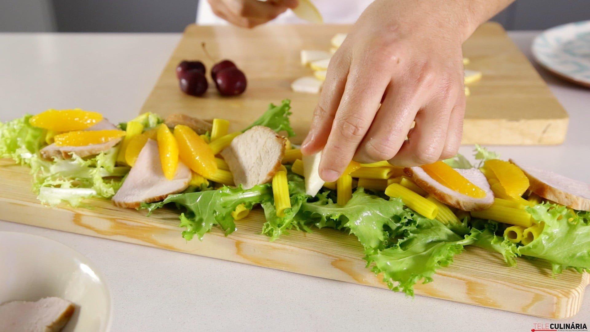 0038 Salada de chicoria carnes e fruta CHLJ