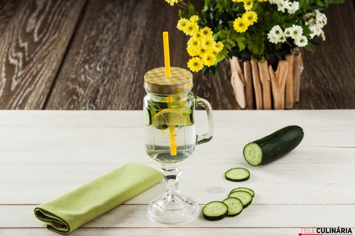 agua aromatizada com pepino 1