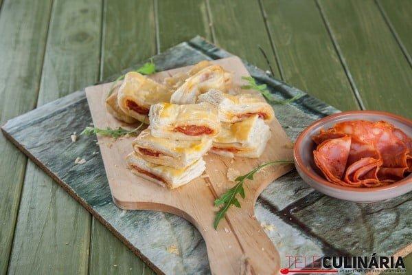 folhados de queijo com chouricao