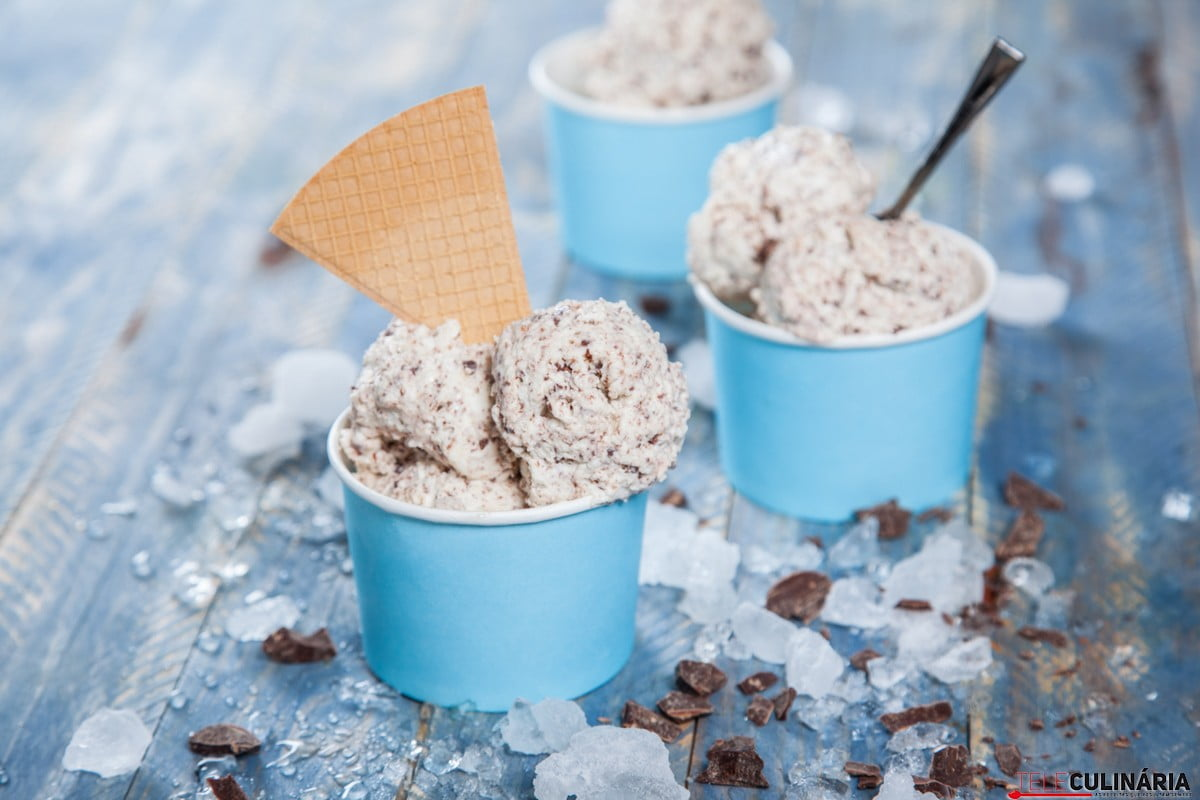gelado de bolacha com petitas de chocolate 1