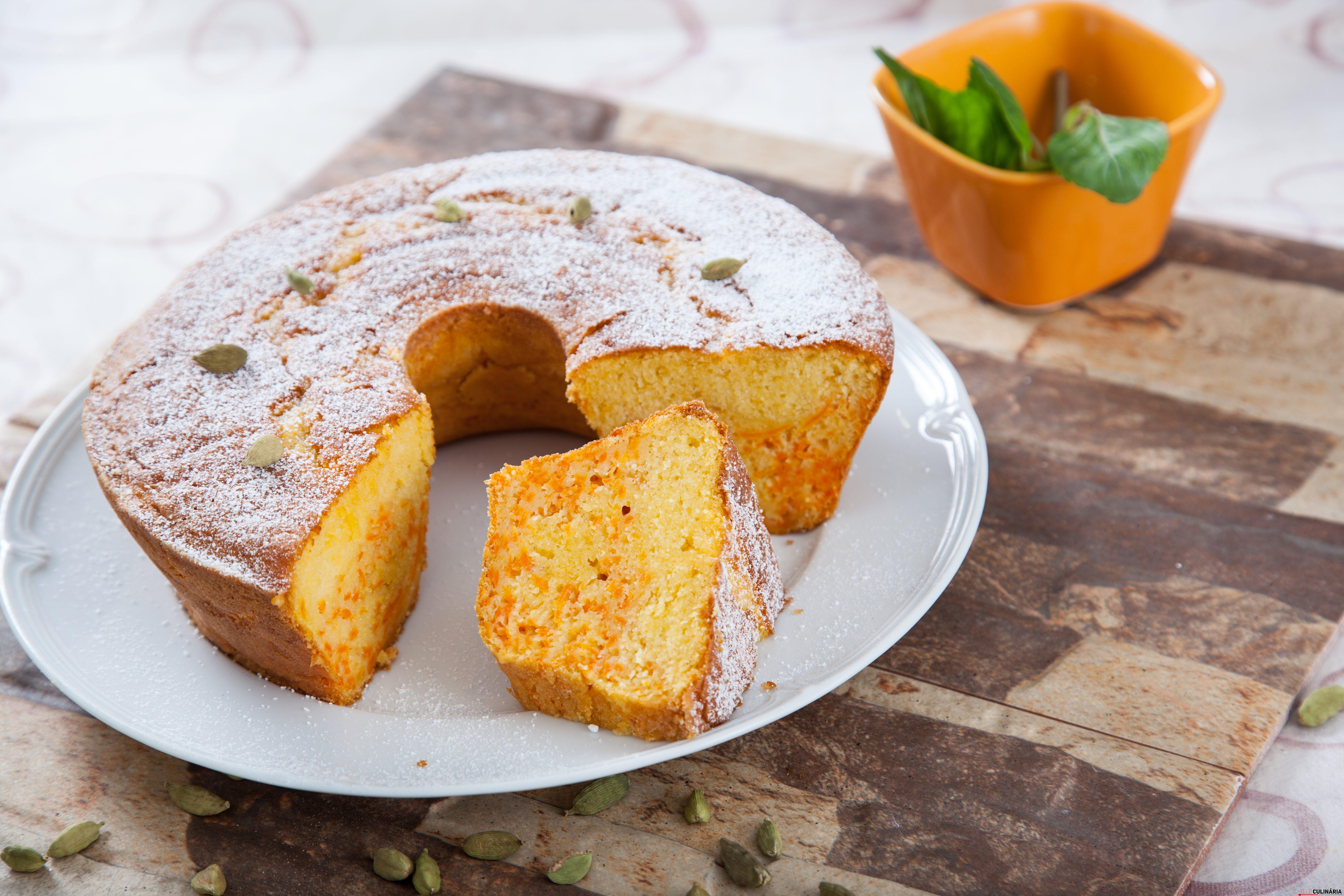 Receita de bolo de cenoura com cardamomo